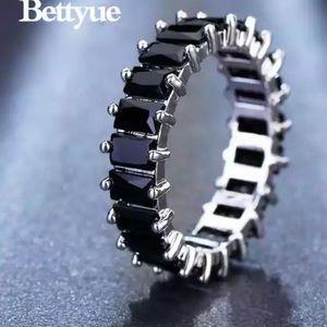 Jewelry - CZ stone ring